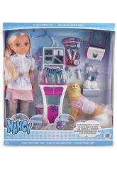 Muñeca Nancy Un Día De Rescate en la Nieve 43 cm Famosa 700013525