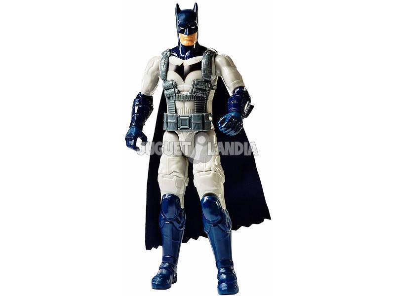Batman Missions Batman Traje de Batalla 29 cm. Mattel FVM75