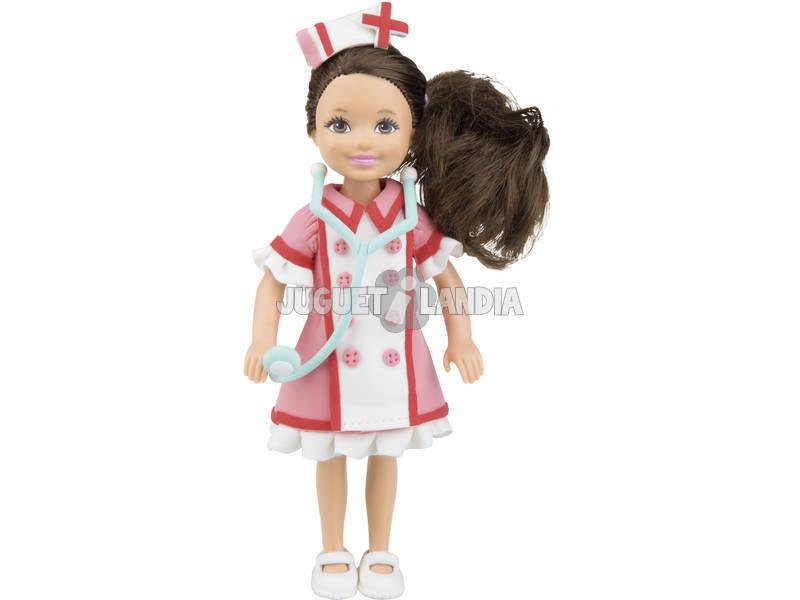 Viste a tu Muñeca de Enfermera con pasta Moldeable
