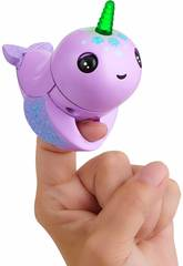 imagen Fingerlings Light Up Narwhal Nelly WowWee 3696