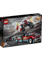Lego Technic Espectáculo de Acrobacias de Camiões e Mota 42106