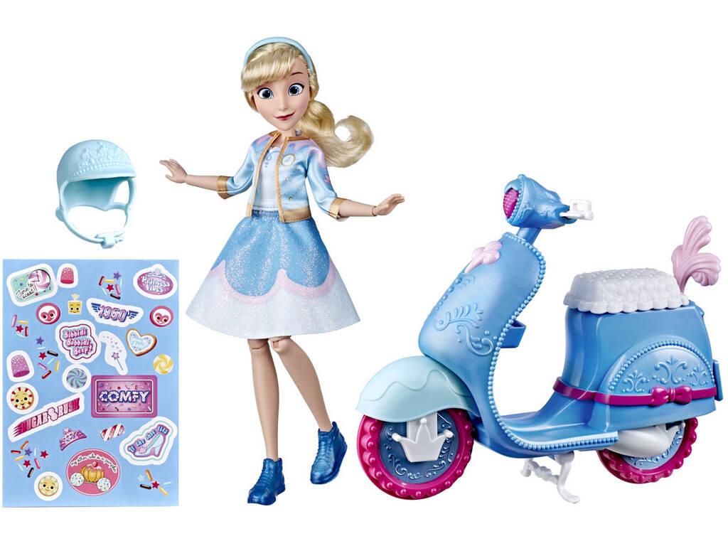 Muñeca Princesas Disney Cenicienta y Scooter Hasbro E8937