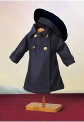 Blauer Mantel mit Barett